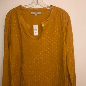 Long sleeve golden blouse